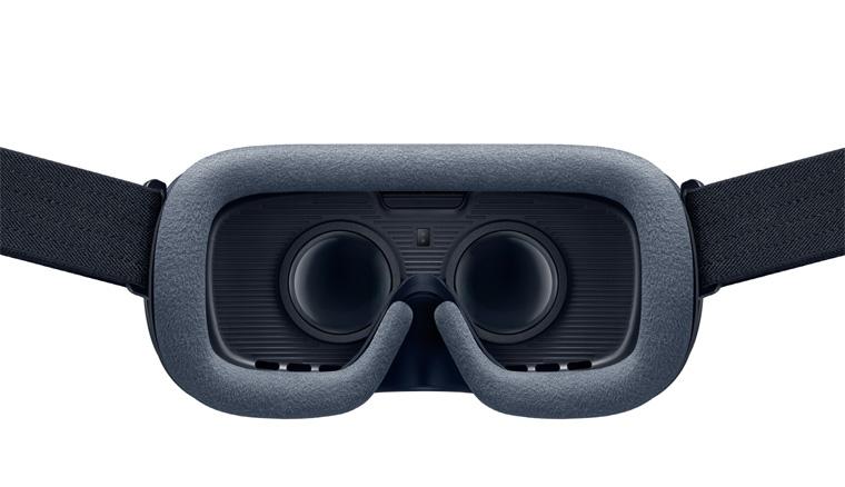 Gear-VR_01