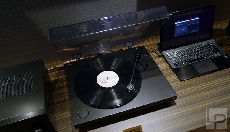 sony-ps-hx500-1