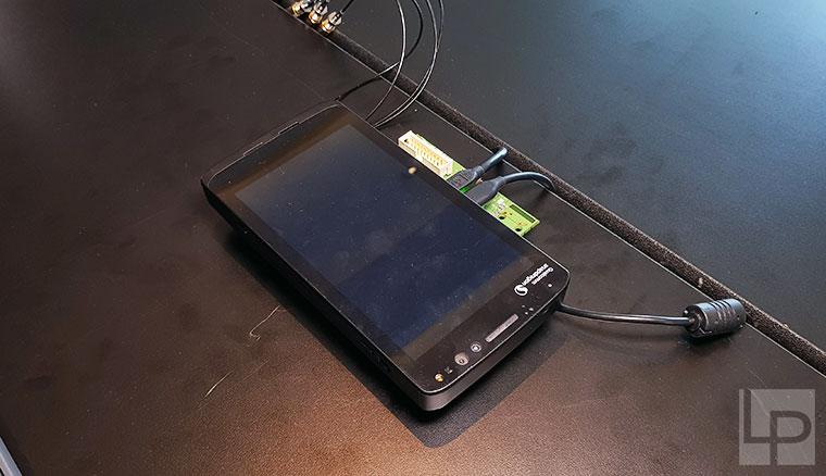 隨時連網、持久電力!高通展示可順暢運行Win 10的驍龍835工程機