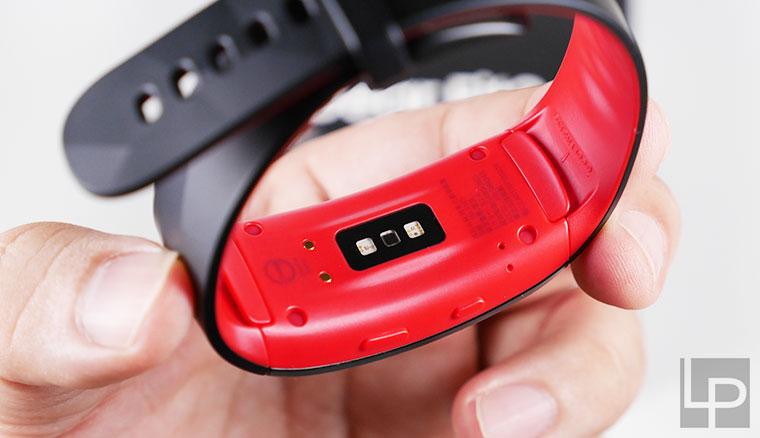 Samsung Gear Fit2 Pro開箱:全能運動小夥伴,游泳跑步重訓都難不倒!