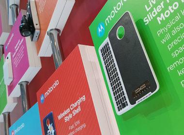 聯想展出多款新Moto Mods模組化配件,手機一秒加入鍵盤、化身血壓計 @LPComment 科技生活雜談