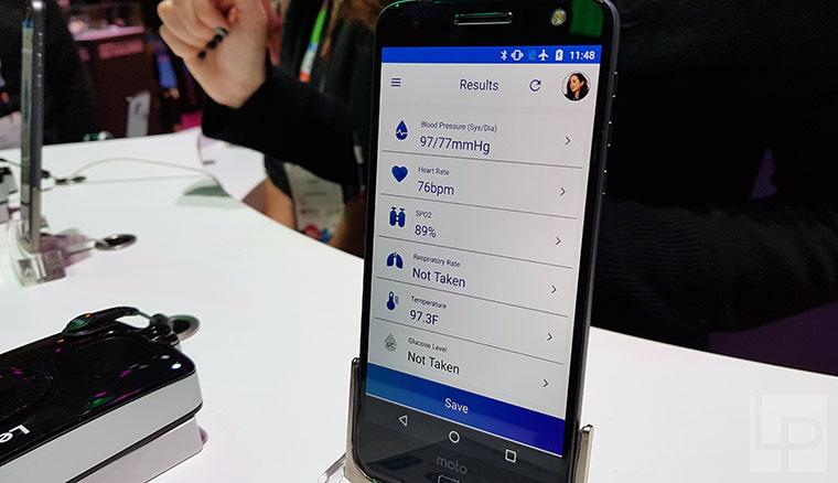聯想展出多款新Moto Mods模組化配件,手機一秒加入鍵盤、化身血壓計