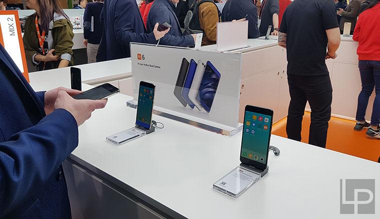 小米首次參展MWC,展出紅米Note 5 Pro等多款手機、筆電、裝置