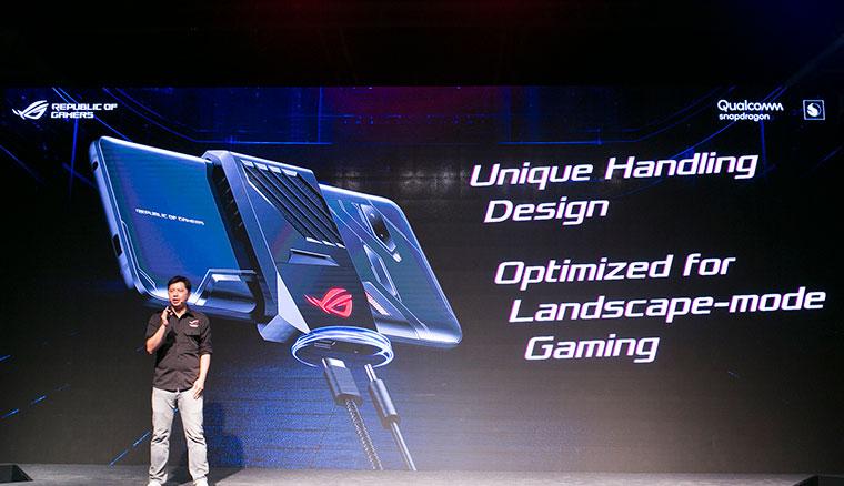 華碩玩家共和國發表ROG Phone電競手機,頂級規格搭配遊戲專屬功能與周邊