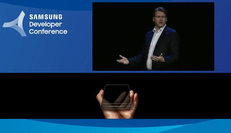 三星展示搭載柔性面板的摺疊螢幕手機!幾乎可完全對折,打開變平板