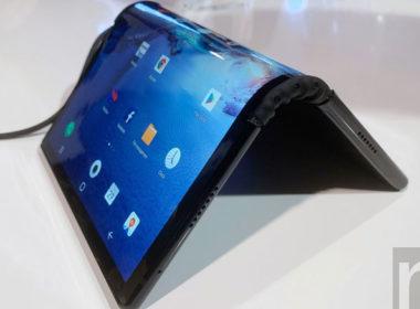 柔宇摺疊螢幕手機動手玩!採用與三星不同的反折設計 @LPComment 科技生活雜談