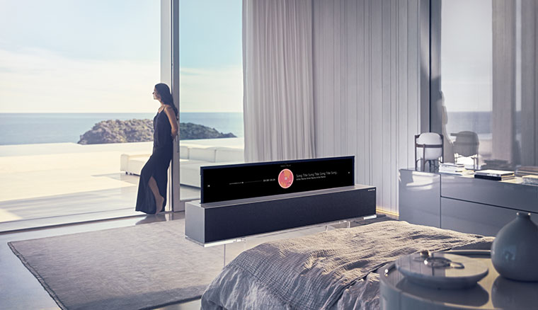 LG發表配備柔性OLED的可捲式電視SIGNATURE OLED TV R