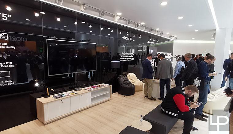 絕美戰鬥天使:小米9透明尊享版動眼看!小米MWC 2019展出規模全面升級