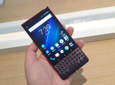 TCL展出BlackBerry Key2黑莓機Red Editio紅黑新色,實機動手玩 @LPComment 科技生活雜談