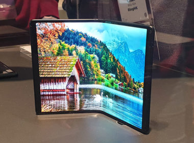 TCL展出多款折疊螢幕手機,展示不同型態的設計應用 @LPComment 科技生活雜談