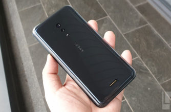 vivo APEX 2019動手玩!真一體化無孔機身設計的5G概念手機 @LPComment 科技生活雜談