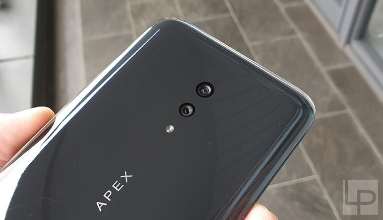 vivo APEX 2019動手玩!真一體化無孔機身設計的5G概念手機