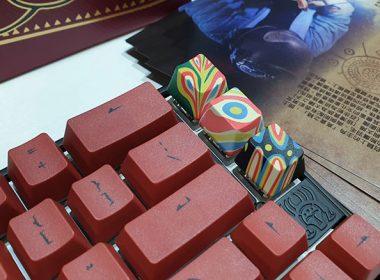 Ducky展出融合排灣特色的豬年鍵盤、與三模Freedom!阿米洛主打客製化彩繪服務 @LPComment 科技生活雜談