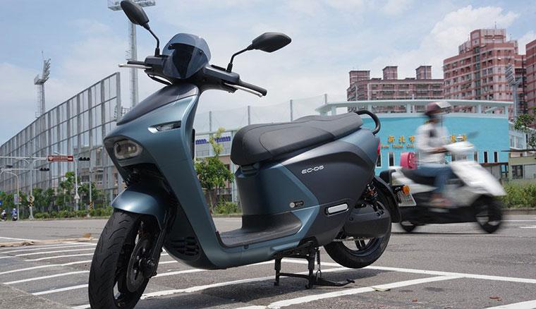 Yamaha EC-05試駕心得:路感接近Gogoro S2、主要差異在坐墊與外型設計