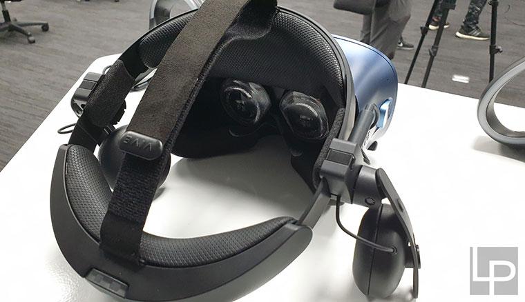 HTC VIVE Cosmos開箱體驗:目前最值得入手的PC VR裝置!