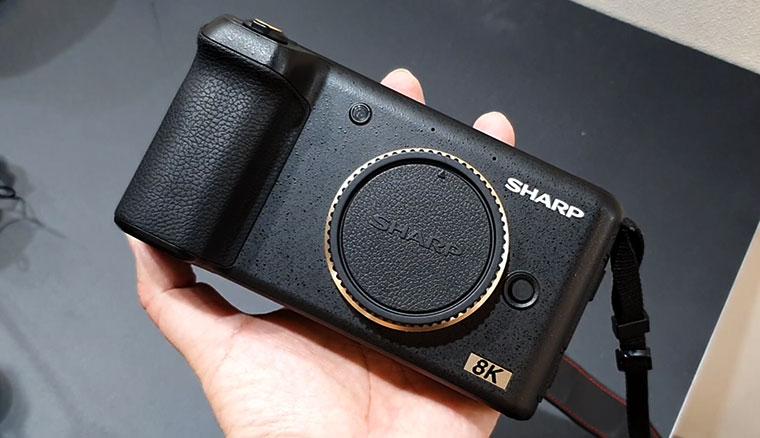 Sharp展出採用m43接口的超小型8K攝影機8K Prosumer,售價估12萬起