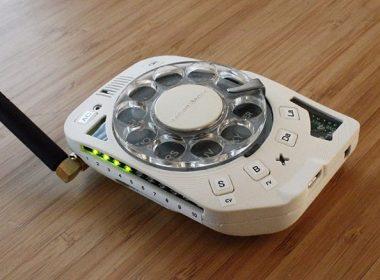 國外玩家製作了一款超復古的轉盤撥號手機,而且看起來超讚! @LPComment 科技生活雜談