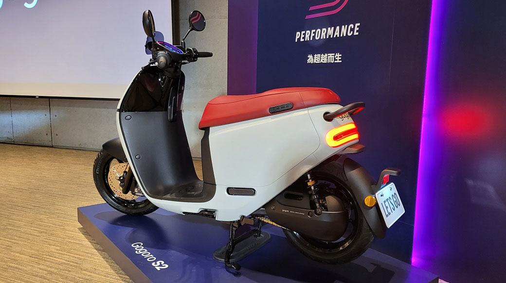 Gogoro發表2、3系列2021改款車型:配備更多、價格不變(甚至更便宜)!