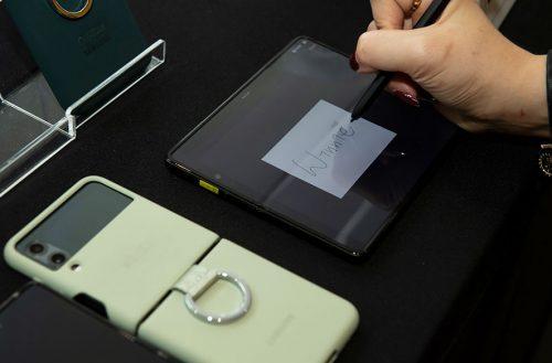 Galaxy Z Fold3今開放預購取貨,台灣三星公布預購成績並預估下半年走向 @LPComment 科技生活雜談