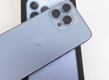 iPhone 13 Pro開箱!天峰藍跟你想的可能不太一樣?同場加映RhinoShield犀牛盾保護殼、壯撞貼(有折扣碼) @LPComment 科技生活雜談